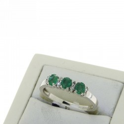 Trilogy ring with DIAMONDS AND emeralds OX11S09
