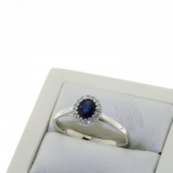 Ring with treated BLUE SAPPHIRE and diamonds OX48Z05